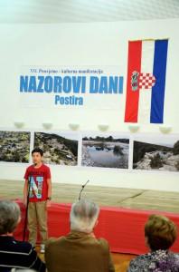 Pino-Vrandecic-ucenik-O.S.-iz-Pucisca-predstavio-se-monologom-Ja-govorim-pucisk